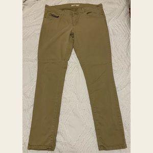 711 Levi's Pants